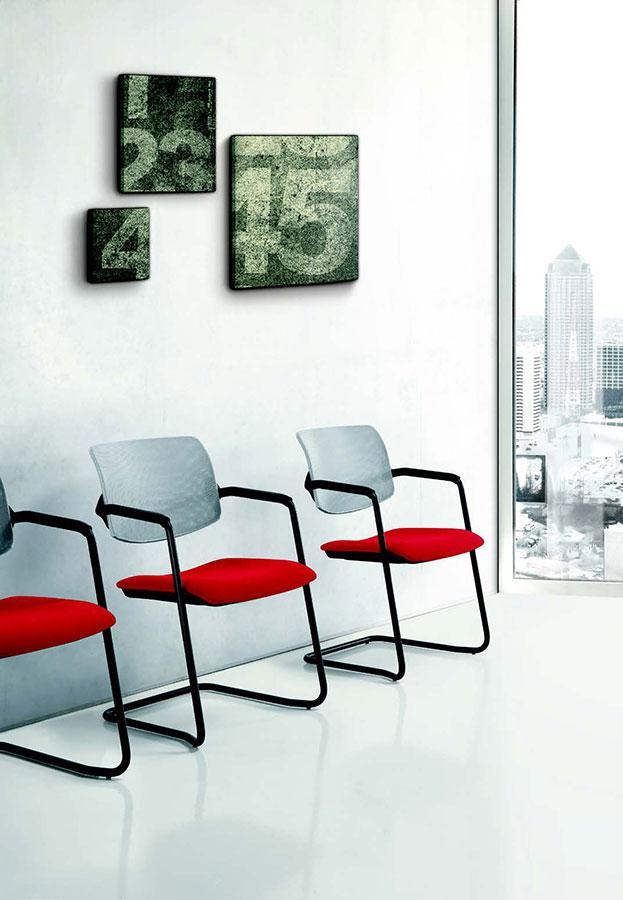 Poltroncina con braccioli galimberti sedie e tavoli for Galimberti sedie