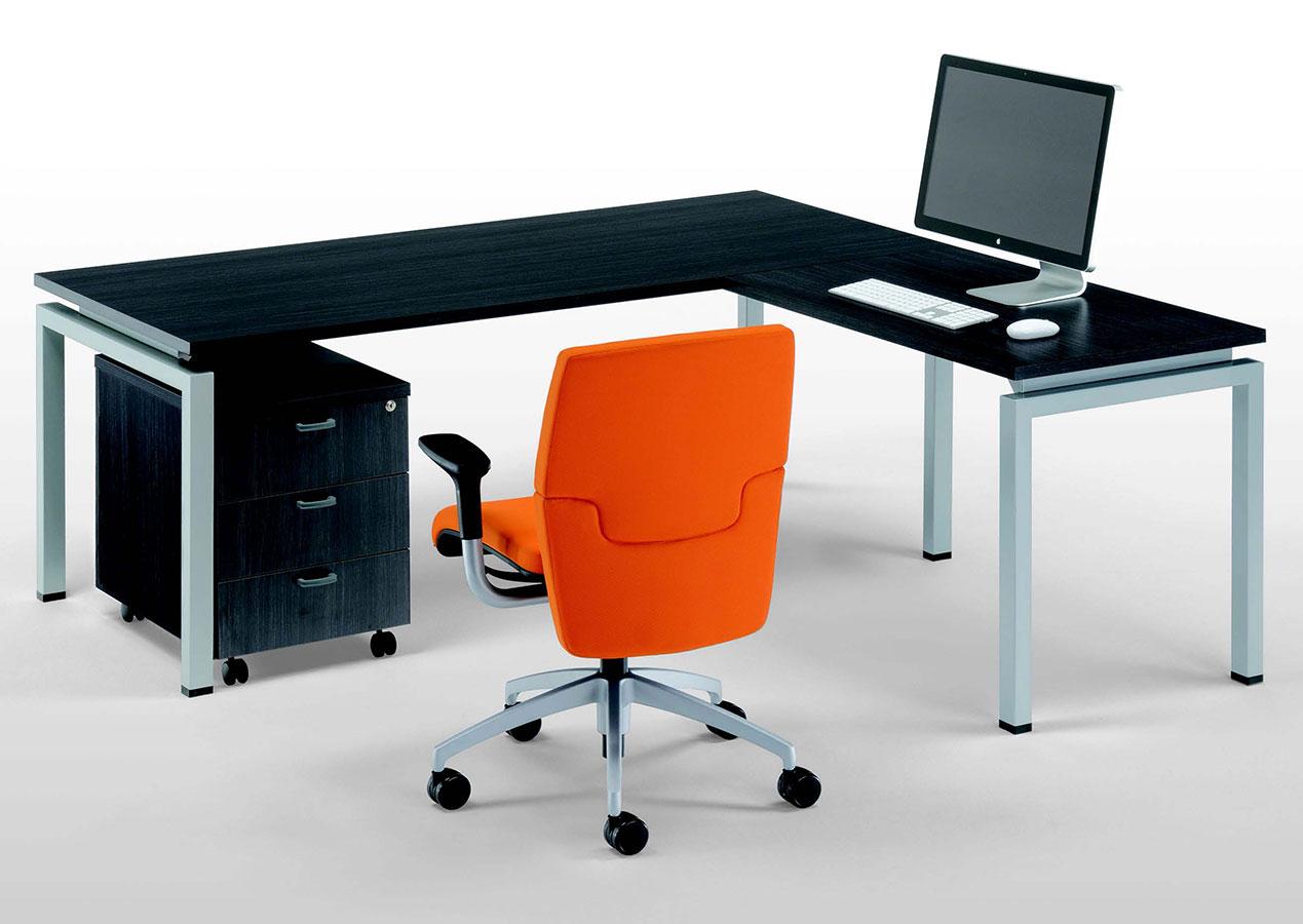 Scrivania Grande Da Ufficio : Scrivania ad angolo clip lam galimberti sedie e tavoli