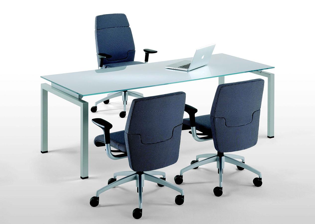30150 scrivania con struttura in acciaio clip galimberti for Galimberti sedie