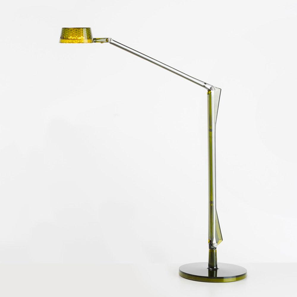 Lampada da tavolo aledin dec di kartell galimberti sedie - Lampada verde da tavolo ...